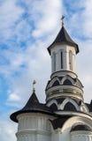 kyrklig kyrktorn Arkivfoto