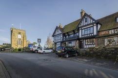 Kyrklig och nätt by av Goudhurst, Kent, UK fotografering för bildbyråer