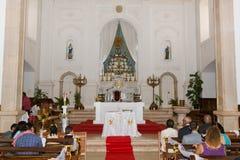 kyrklig parlord som lovordar bröllop Royaltyfri Fotografi