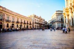 Kyrklig plaza för Duomo i Ortigia, Sicilien Fotografering för Bildbyråer