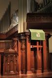 kyrklig predikstol arkivfoto