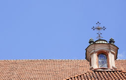 kyrklig rooftop för kristen Arkivbilder