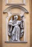 Kyrkliga arkitektoniska detaljer för St Martin ` s i den gamla staden Polen för Warszawa Royaltyfria Foton
