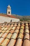 kyrkliga croatia dubrovnik taktegelplattor Arkivbilder