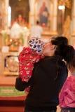 kyrkliga easter ortodoxa parishioners Fotografering för Bildbyråer