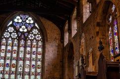 kyrkliga fönster Arkivbild