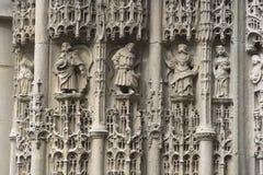 kyrkliga franska statyer Royaltyfri Fotografi