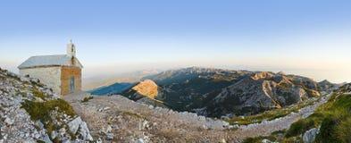 kyrkliga gammala croatia för biokovo berg Arkivbild