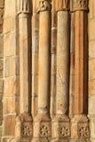 Kyrkliga gammala kolonner Royaltyfria Bilder