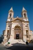 Kyrkliga gator för domkyrkatrulliItalien Trullo stad i Italien arkivbild