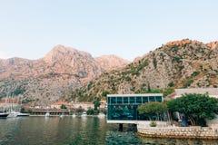 Kyrkliga Gospa od Zdravlja av Kotor på väggen, Montenegro, Kotor Royaltyfria Bilder