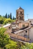 Kyrkliga Klocka torn-Moustiers Sainte Marie, Frankrike Royaltyfria Foton