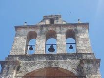 Kyrkliga klockor Arkivfoton
