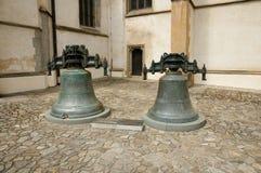 Kyrkliga Klockor - Bardejov - Slovakien Royaltyfri Fotografi