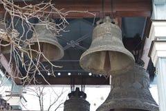 Kyrkliga klockor ringer ut Royaltyfria Foton