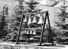 Kyrkliga klockor svart white Royaltyfria Bilder