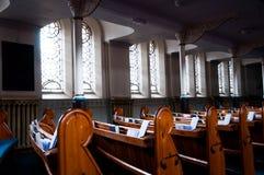 Kyrkliga kyrkbänkar Royaltyfri Fotografi