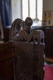 Kyrkliga kyrkbänkdetaljer Royaltyfria Bilder
