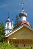 kyrkliga lantliga kyrktorner Royaltyfri Fotografi