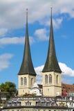 kyrkliga leodegar lucernest-torn kopplar samman Arkivbilder