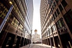 kyrkliga moderna gammala ryssskyskrapor två Arkivbild