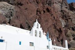 Kyrkliga near röda strandAkrotiri Santorini Cyclades öar Royaltyfri Bild