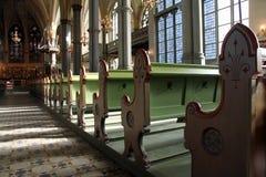 kyrkliga pews royaltyfria bilder