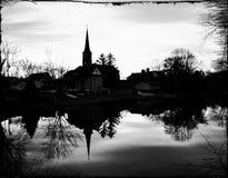 Kyrkliga reflexioner i svartvitt Royaltyfri Bild