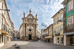 Kyrkliga Sao Paulo i gatorna av Vila Real i Portugal Arkivfoto