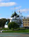 Kyrkliga Spasa på staden i staden av Yaroslavl fotografering för bildbyråer
