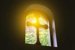 Kyrkligt fönster för singel Royaltyfri Fotografi