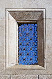 kyrkligt gammalt fönster Fotografering för Bildbyråer