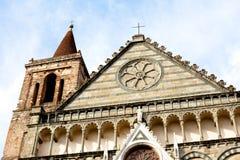 kyrkligt roman royaltyfria foton