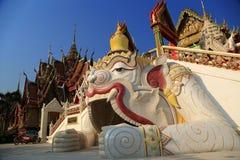 kyrkligt thai arkivfoto