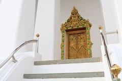 kyrkligt thai dörrtempel Fotografering för Bildbyråer