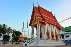 Kyrkligt thailändskt tempel royaltyfria bilder