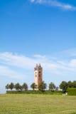 Kyrkligt torn av Firdgum, Friesland, Nederländerna Arkivbilder