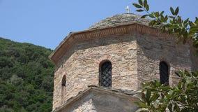 Kyrkligt torn för sten arkivfilmer