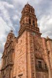 Kyrkligt torn i Zacatecas Mexico fotografering för bildbyråer