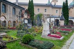Kyrkogård för St Peter ` s i Salzburg, Österrike Arkivbilder