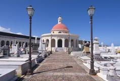 Kyrkogård i gamla San Juan Arkivfoton