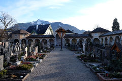 Kyrkogård i St Gilgen, Österrike Arkivfoton