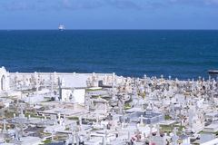 Kyrkogård vid havet Arkivbild