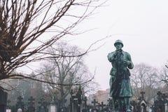 Kyrkogårdmonument och gravvalv i Ghent, Belgien arkivbild