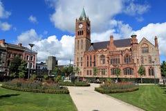 Kyrkor av Derry i nordligt - Irland arkivfoton