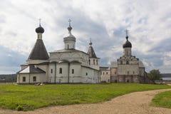 Kyrkor av Kristi födelsen av den jungfruliga Ferapontov Belozersky kloster Ferapontovo by, område av Kirillov, Vologda region, royaltyfria bilder