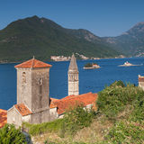 Kyrkor i Perast. Fjärd av Kotor, Montenegro royaltyfri foto