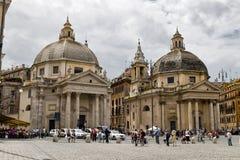 Kyrkor kopplar samman Arkivbild