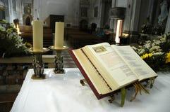 kyrktaga evangeliet Arkivfoton