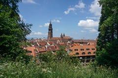 Kyrktaga i staden av Freiburg i Tyskland Royaltyfri Bild